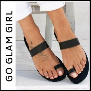 NWT Back Toe Wrap Sandals